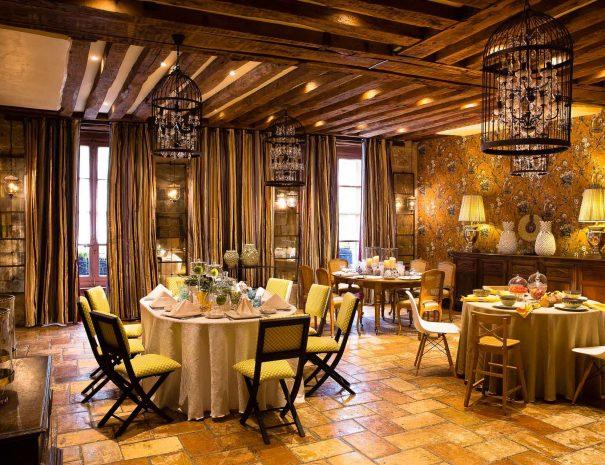 Hôtel de France - Restaurant - Spa - Séminaire - à Angerville en Essonne